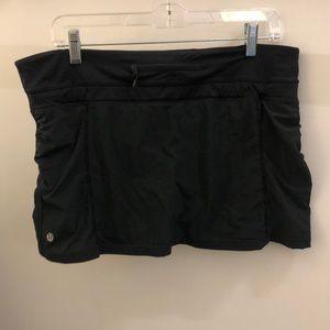 lululemon athletica Skirts - Lululemon black skirt, sz 10, 70522